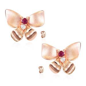 ต่างหูดีไซน์ผีเสื้อน้อยแสนหวาน ประดับทับทิมแท้ (Ruby) และเพชร DiamondLike ตัวเรือนเงินแท้ชุบพิงค์โกลด์ (Pink gold)