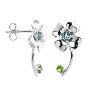 ต่างหูดอกไม้ ประดับบูลโทแพซและซาโวไรท์สีเขียวสด ตัวเรือนเงินแท้ ชุบทองคำขาว สวยงามกลมกลืนกับธรรมชาติ
