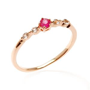 แหวนทับทิมแท้ ประดับไวท์โทแพซ (White Topaz) ตัวเรือนเงินแท้ ชุปด้วยทอง 18K ดีไซน์สุดชิค