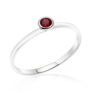 แหวนเงินแท้ 925 ชุปทองคำขาว ประด้วยพลอย สีม่วงอมแดง Rhodolite ดีไซน์เล็กๆ สามารถ Mix and Match ได้ในสไตล์ที่คุณต้องการ