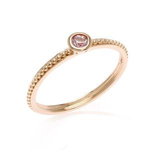 แหวนเงินแท้  ประดับแซฟไฟร์สีชมพู (Pink Sapphire)  ดีไซน์เล็กๆ สามารถ Mix and Match กับแหวนดีไซน์ อื่นๆได้ อย่างลงตัว