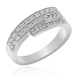 แหวน LENYA ETERNAL ประดับด้วย SWAROVSKI ZIRCONIA ดีไซน์เพชรแบบแถวคาบเกี่ยวกันดูสวยแบบคลาสสิคสุดๆ ตัวเรือนเงินแท้ชุบทองคำขาว