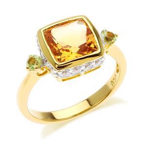 แหวนซิทริน(Citrine) สีเหลือง ประดับด้วย เพอริดอท(Peridot) และ คิวบิกเซอร์โคเนีย (Cubic Zirconia) ตัวเรือนเงินแท้ ชุบทองคำแท้