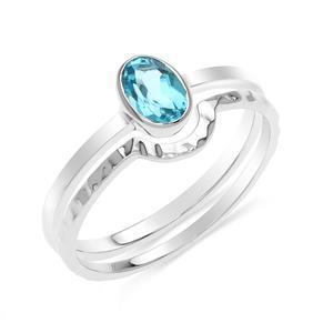 แหวนบลูโทแพซ(Blue Topaz)  สีฟ้า ดีไซน์น่ารักแต่เก๋ไก๋ ตัวเรือนชุบทองคำขาว (Rhodium) สวยเข้ากับทุกคน ใครใส่ก็สวย