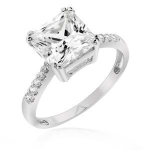 แหวนเพชร DiamondLike เพชรสี่เหลี่ยมบนดีไซน์สุดคลาสสิค บนตัวเรือนเงินแท้ชุบทองคำขาว โดนใจในทุกสถานการณ์