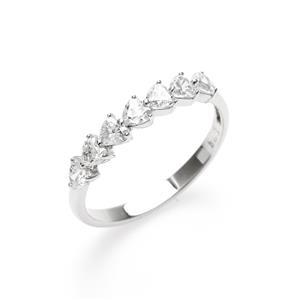 แหวนเพชร DiamondLike แห่งการสานต่อหัวใจ เหมือนการเติมเต็มหัวใจทีละดวงพร้อมการถนุถนอมอย่างสุดซึ้ง
