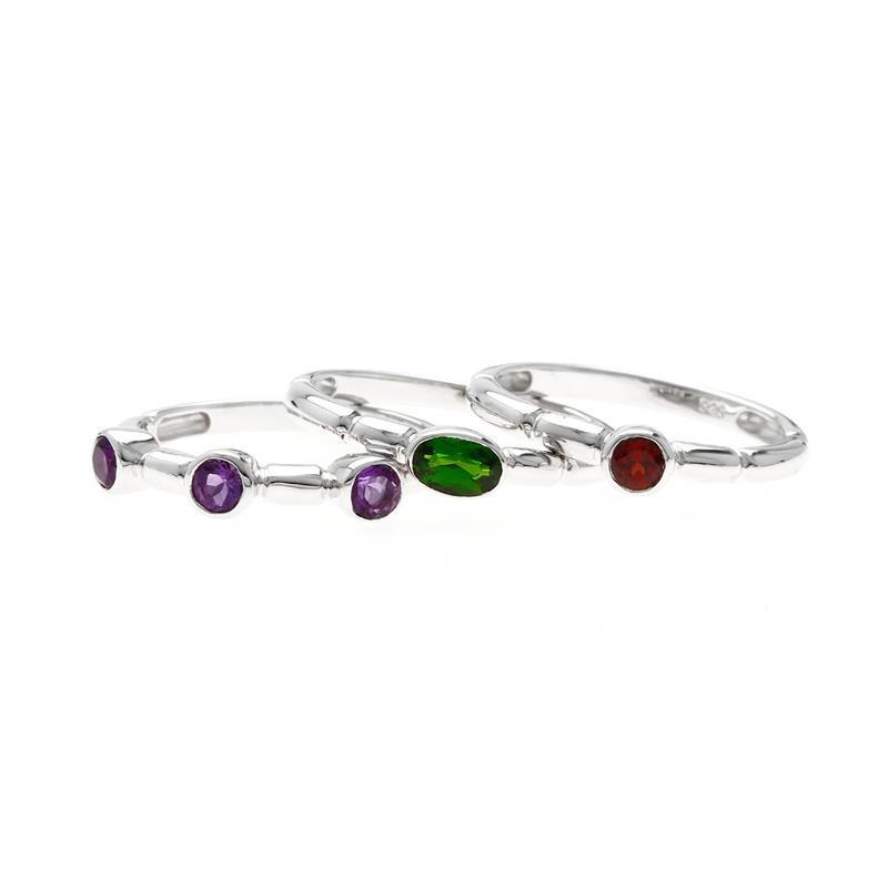 แหวนเซ็ท 3 แบบ 3 วง ประดับพลอยโครมไดออฟไซด์(Chrome Diopside) อะเมทิสต์(Amethyst) และโกเมน( Garnet) ตัวเรือนเงินแท้ชุบทองคำขาว