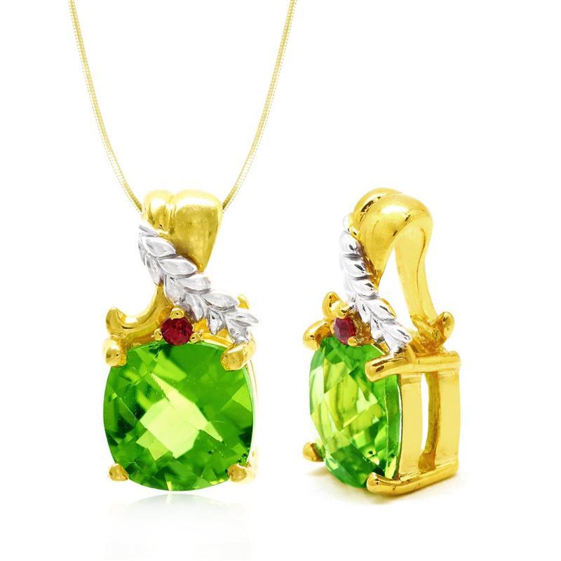 จี้เพอริดอท(Peridot) สีเขียว ประดับด้วยแซฟไฟร์สีส้ม(Orange Sapphire) ตัวเรือนเงินแท้ ชุบทองและตัดลายทองขาว สวยงาม เสริมความรุ่งเรืองแก่ผู้สวมใส่