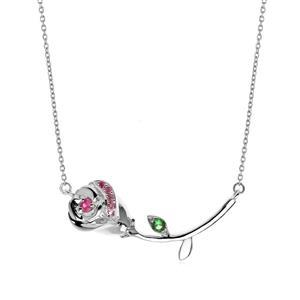 สร้อยคอเงินแท้ 925  รูปดอกกุหลาบ ชุบทองขาว ประดับด้วยอัญมณีมีเลอค่า 3 ชนิด ทับทิม(Ruby) แซฟไฟร์สีชมพู(Pink Sapphire)และ ซาโวไรท์(Tsavorite)