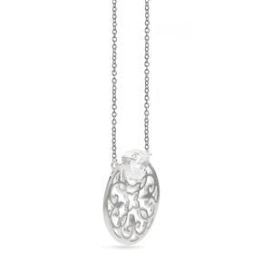 สร้อยเงินแท้ 925 ชุบทองขาว ดีไซน์เป็นลายฉลุรูปดอกไม้ ประดับด้วยด้วยพลอย คิวบิกเซอร์โคเนีย (Cubic Zirconia)